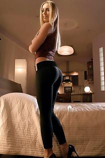 Free Porn Pics  Blonde Big Ass European Babe Jessi Spreading